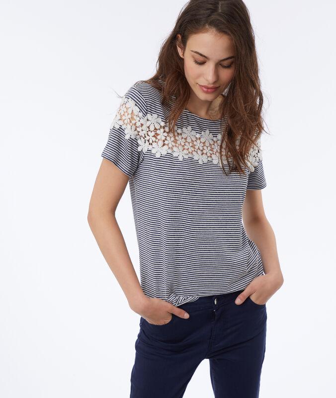 Camiseta estampado rayas y bordados flores azul marino.