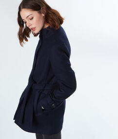 Manteau 3/4 col montant bleu marine.