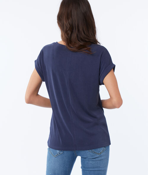 Camiseta escote en V suave relieve