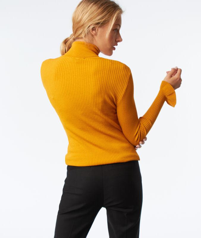 Jersey cuello alto mangas con volantes amarillo.