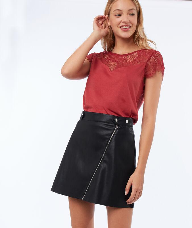 Falda con cremalleras efecto piel negro.