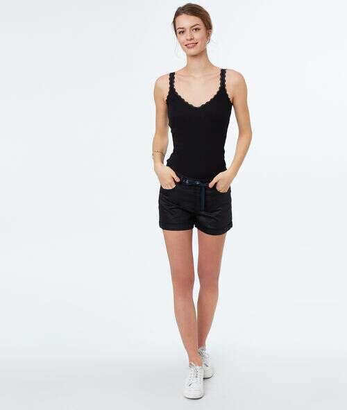 Pantalón corto efecto piel