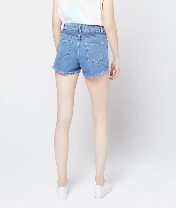 Pantalón corto vaquero efecto decolorado