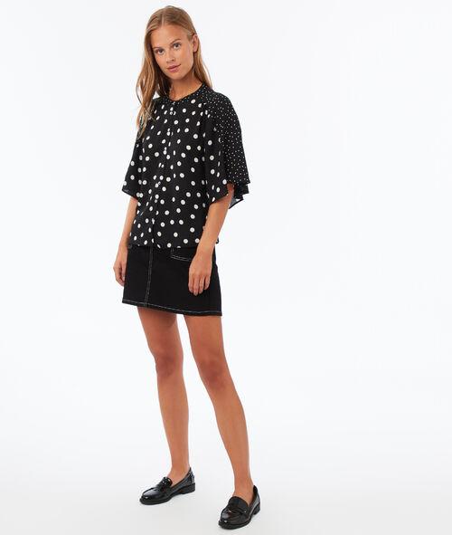 Falda con bolsillos costuras contrastadas
