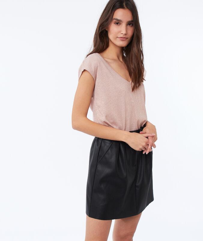 Falda con cinturón efecto piel negro.