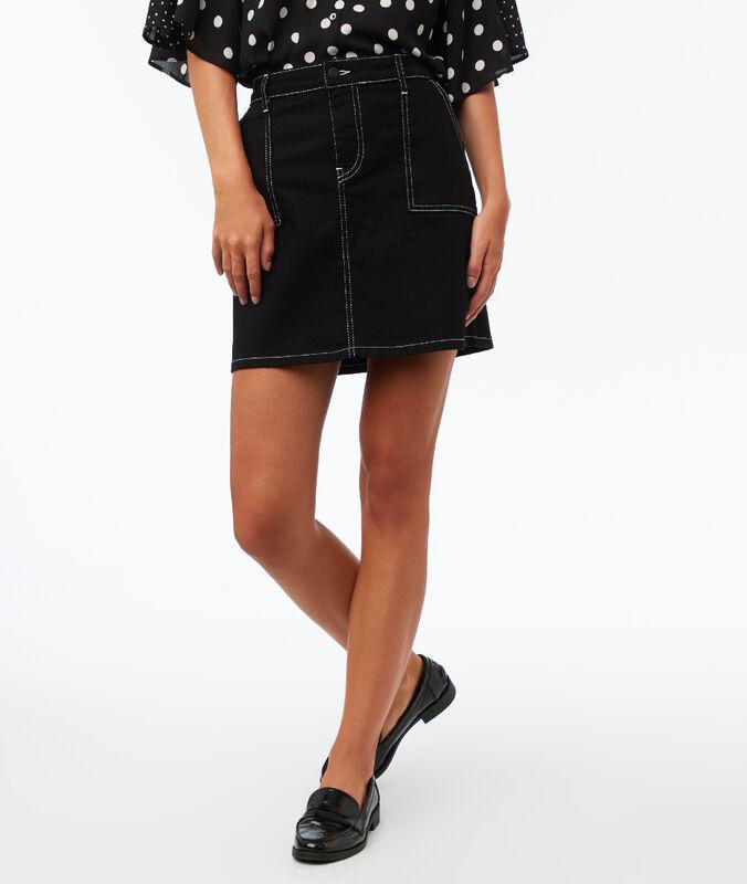Falda con bolsillos costuras contrastadas negro.