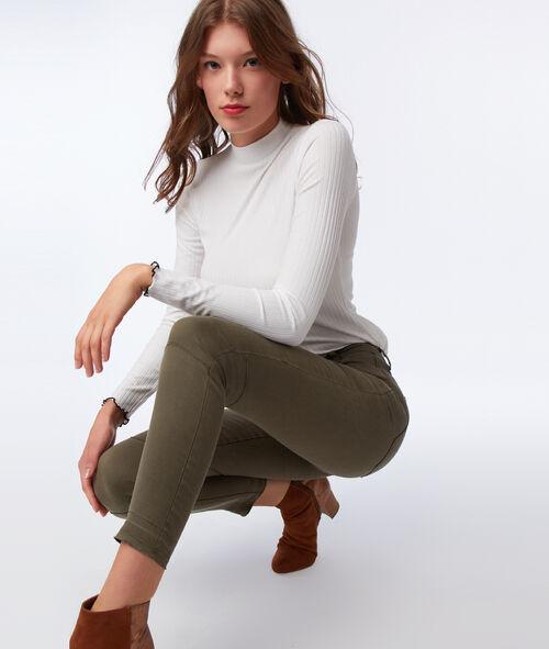 Pantalón estrecho con cremalleras