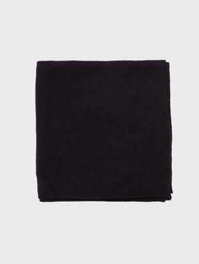 Echarpe en cachemire noir.