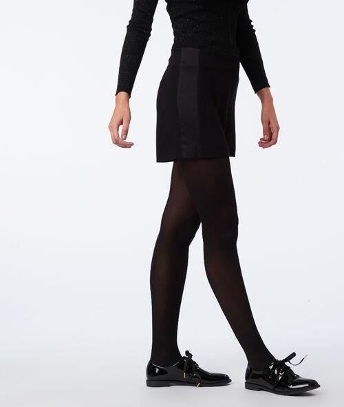 Pantalón corto franjas laterales