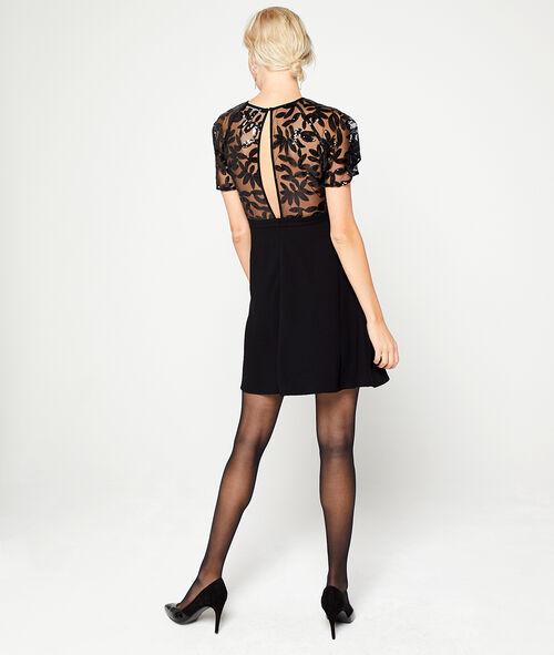 Vestido espalda abierta con lentejuelas