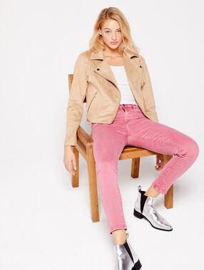 Pantalón vaquero estrecho liso rosa.