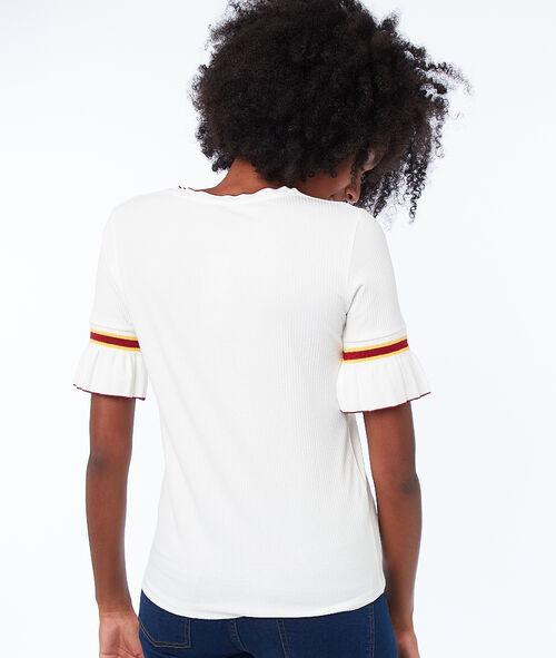 Camiseta manga corta detalle volantes