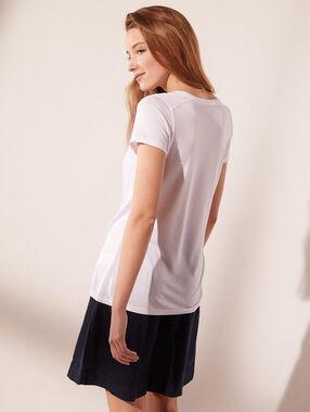 Camiseta cuello en v  blanco.