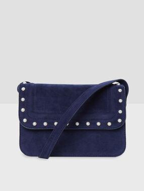 Bolso bandolera con perlas azul.