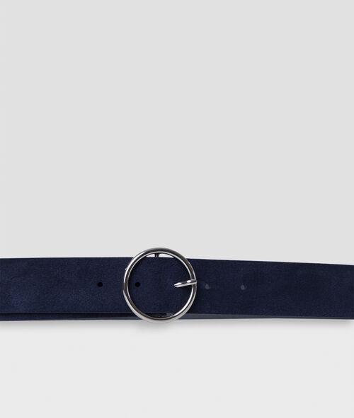 Cinturón con capa de cuero