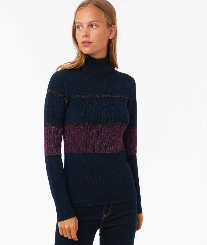 Jersey de cuello alto fibras metalizadas azul marino.