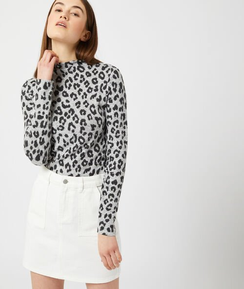 Top fino con estampado de leopardo