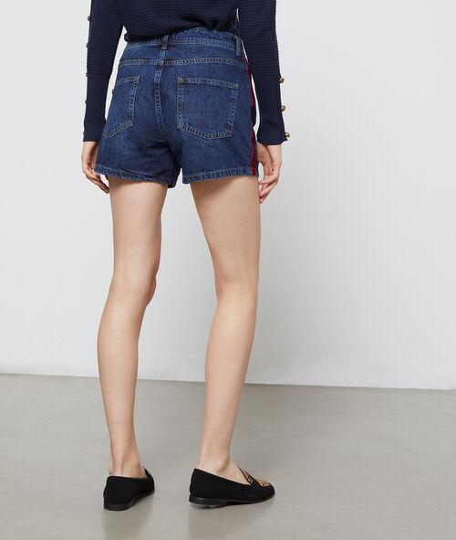 Pantalón corto vaquero franja lateral