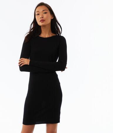 Robe pull à manches longues noir.