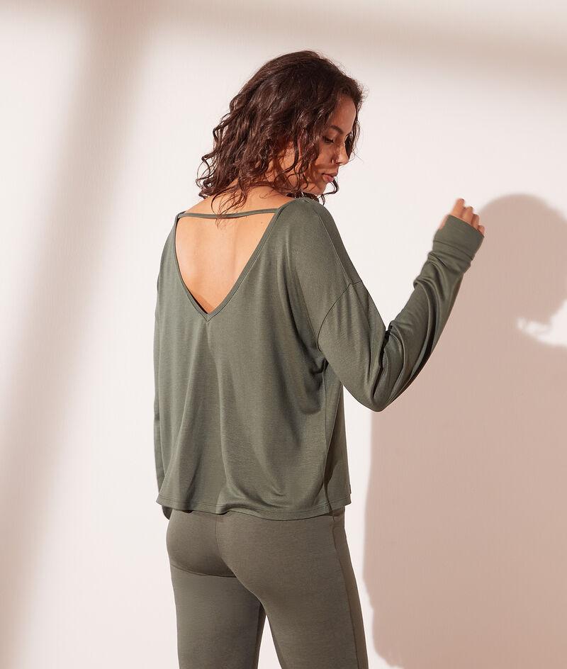 Camiseta, escote espalda