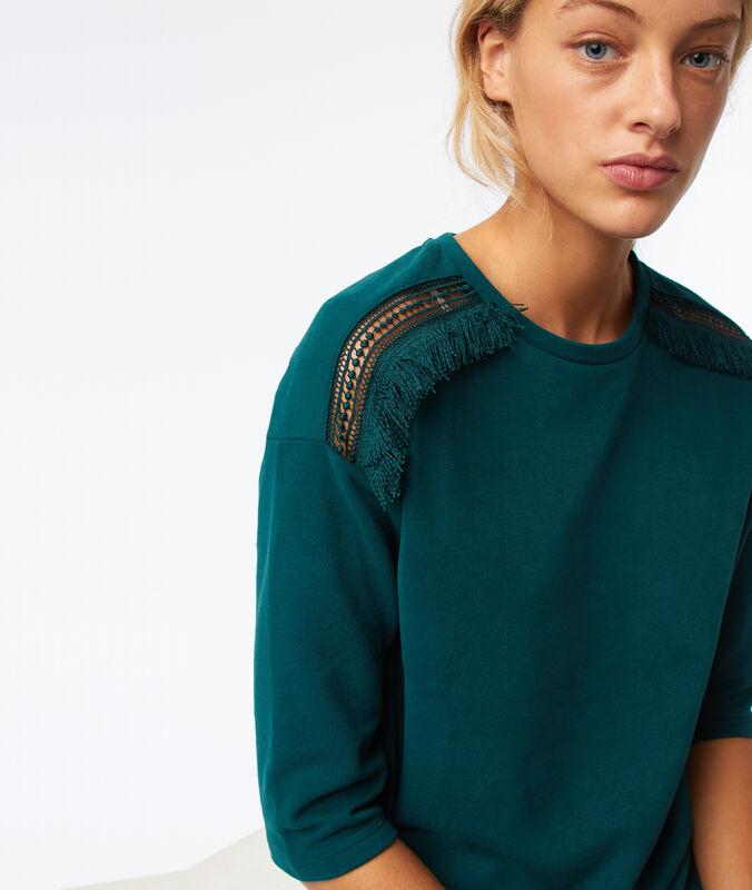 Camiseta manga 3/4 motivos guipur verde.