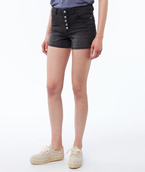 Pantalón corto abotonado