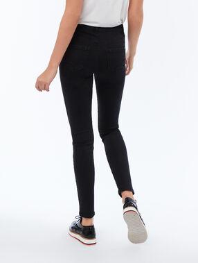 Pantalón estrecho liso negro.