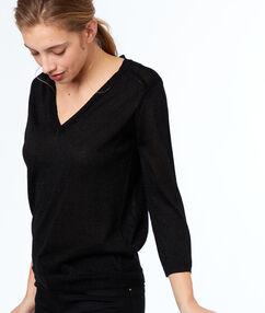Jersey cuello en v negro.