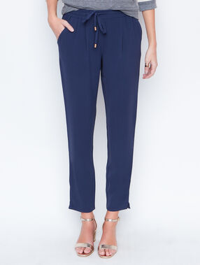 Pantalón holgado tipo chino  azul marino.