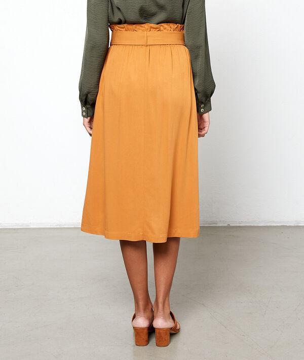 Falda midi con cinturón