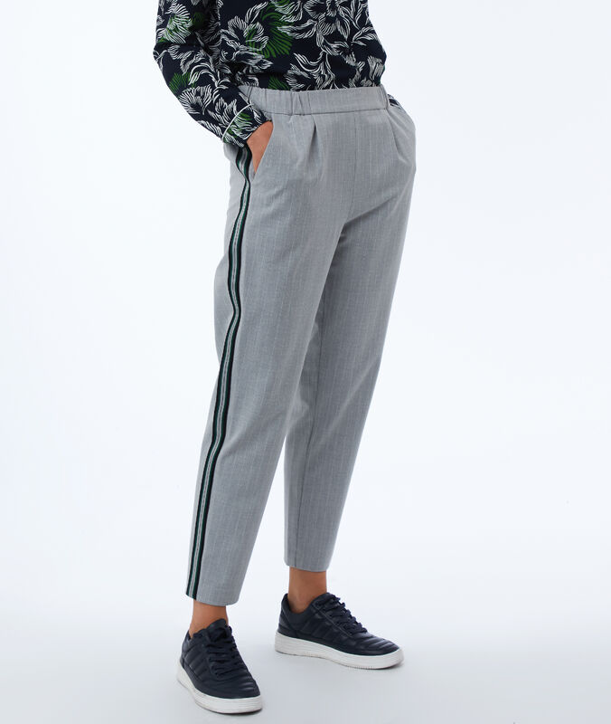 Pantalón corte masculino franjas laterales c.gris.