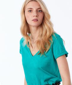 Camiseta algodón escote en v  verde menta.