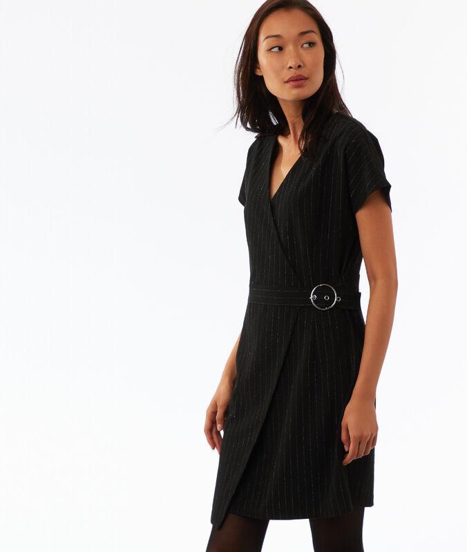 Vestido con cinturón raya diplomática fibras metalizadas negro.