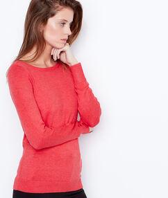 Jersey de punto fino cuello barco rojo.