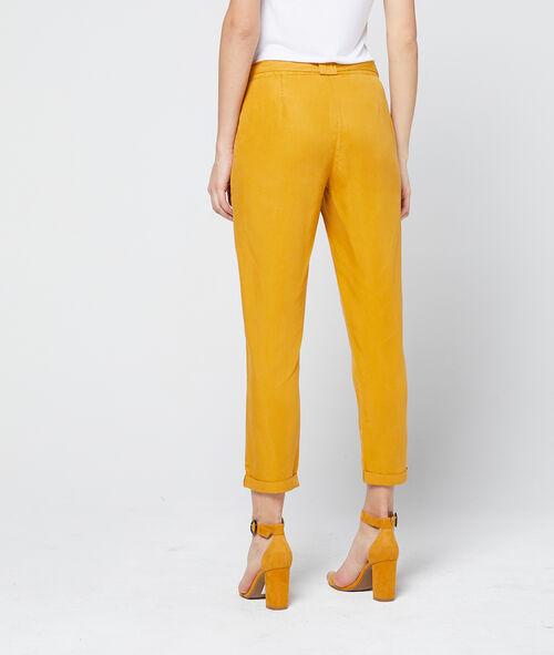 Pantalón alto con cinturón de Tencel