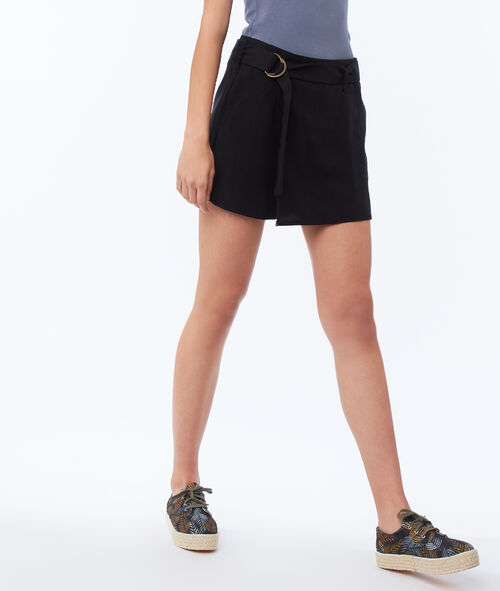 Pantalón corto con cinturón tencel