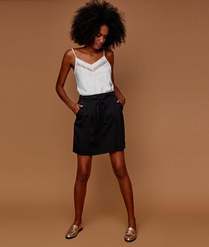 Falda anudada tencel negro.