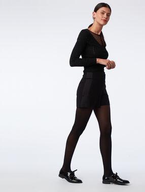 Pantalón corto franjas laterales negro.