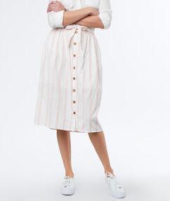 Falda botonadura frontal estampado rayas rosa pálido.