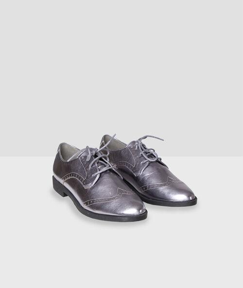 Zapatos con cordones plateados
