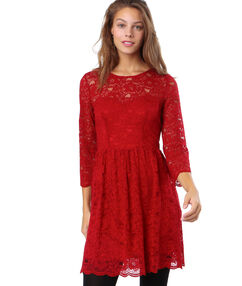 Robe dentelle et dos ouvert rouge.