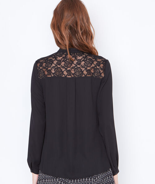 Blusa cuello lazo con motivos de encaje