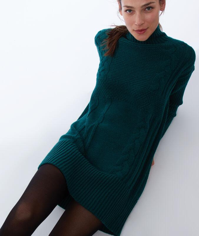 Vestido tipo jersey punto grueso verde.