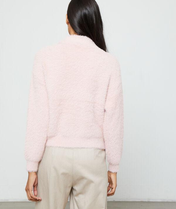 Suéter cuello alto de punto esponjoso