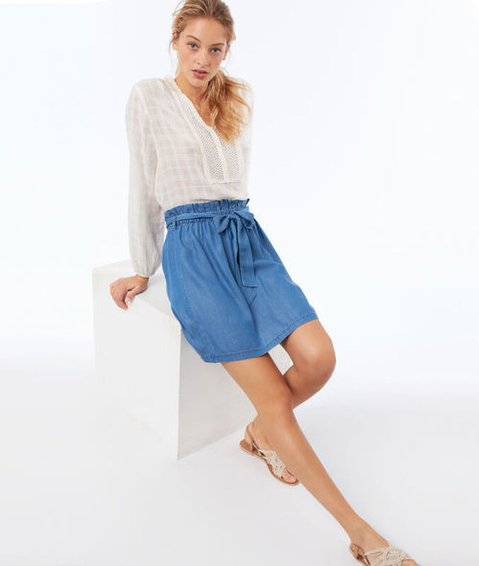 Falda de tencel azul.