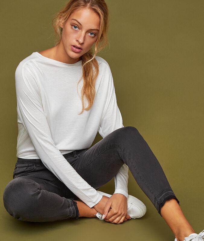 Camiseta manga larga holgada crudo.