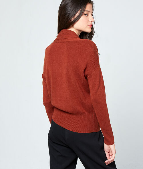 Suéter cruzado de punto fino