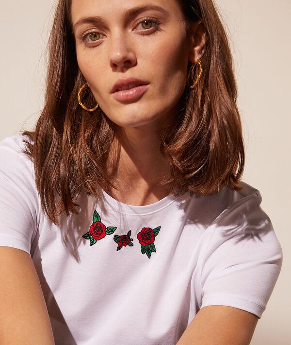 Camiseta con rosas bordadas