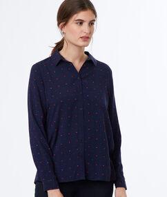 Camisa estampada azul marino.