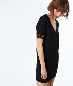 Vestido manga corta negro.